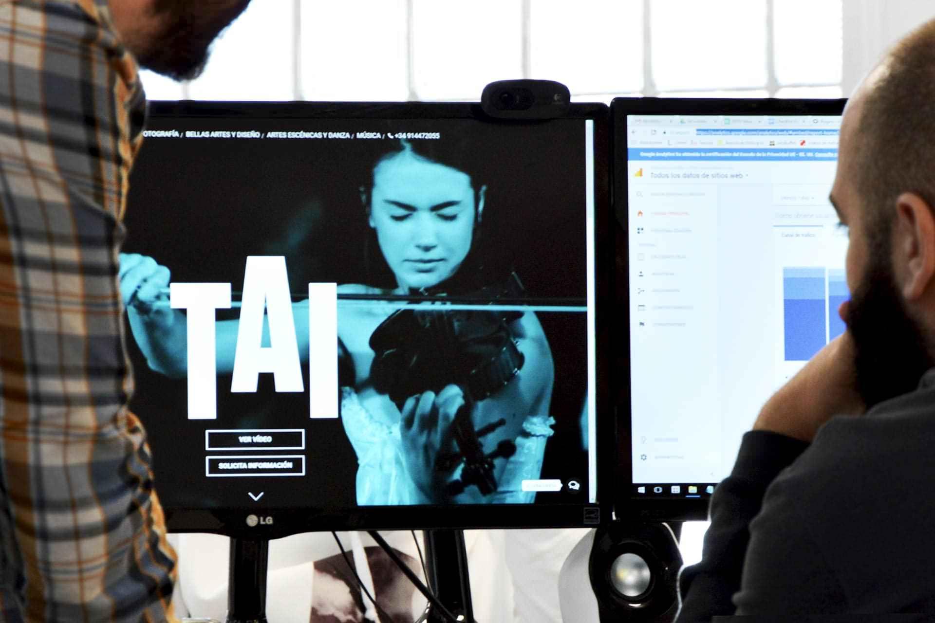 Rediseño web Escuela TAI